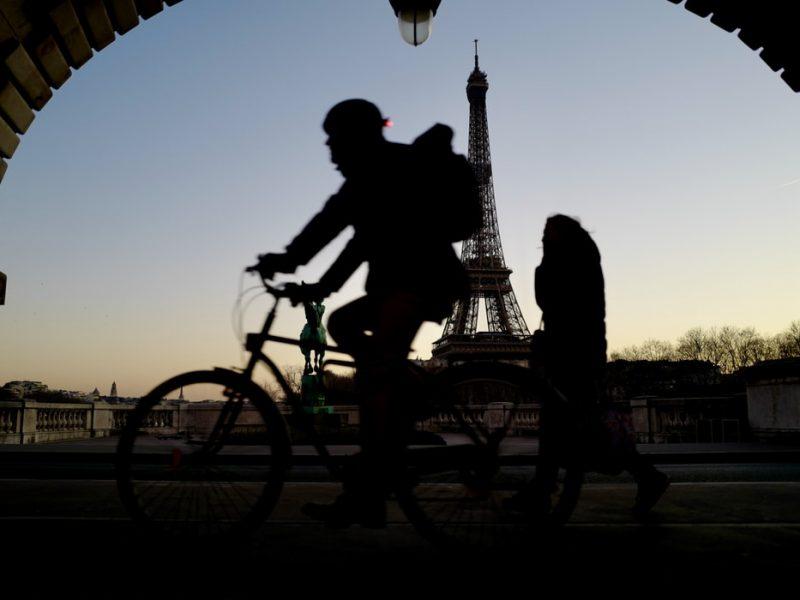 Francja, pandemia, rowery, elektromobilność, emisje, Co2, ekologia, polityka środowiskowa,
