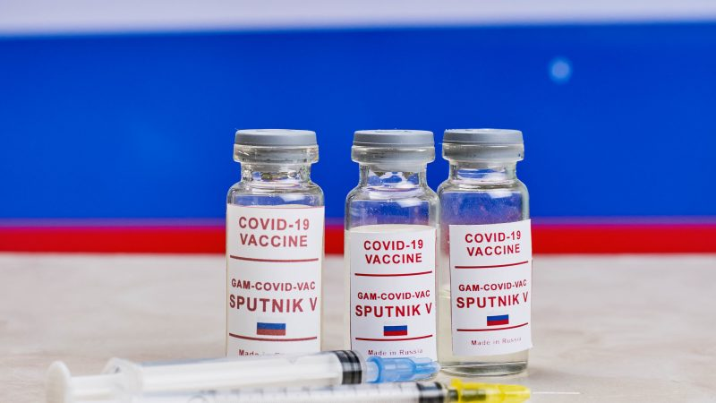 EU agency intentionally preventing Russian vaccine from being used throughout the EU? – FAKE NEWS OF THE MONTH – EURACTIV.pl