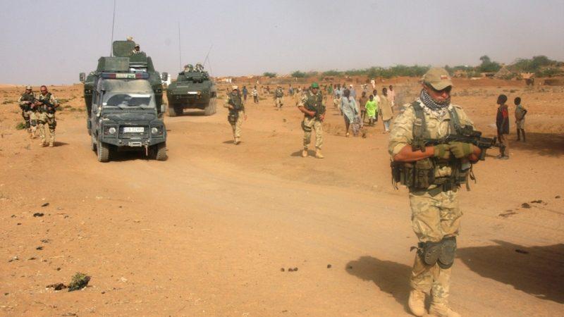 Polscy żołnierze podczas unijnej misji wojskowej w Czadzie, źródło: Wikipedia/Ministerstwo Obrony Narodowej (CC BY 2.0)