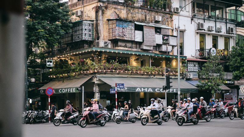 W Wietnamie wykryto nowy wariant koronawirusa (Photo by Elliot Andrews on Unsplash)