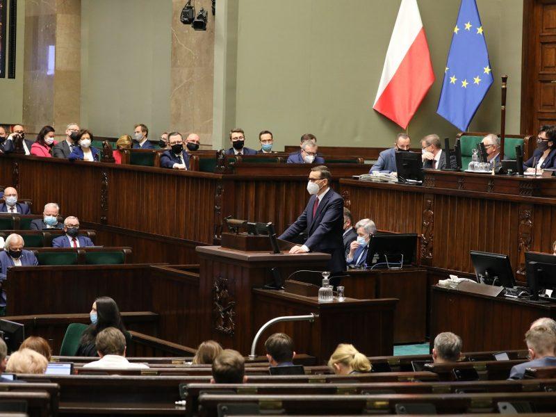 Polska-demokracja-PiS-Europa-Węgry-Orban-Kaczynski-Ziobro-Trybunał-konstytucyjny-wolnosc-mediow-pandemia