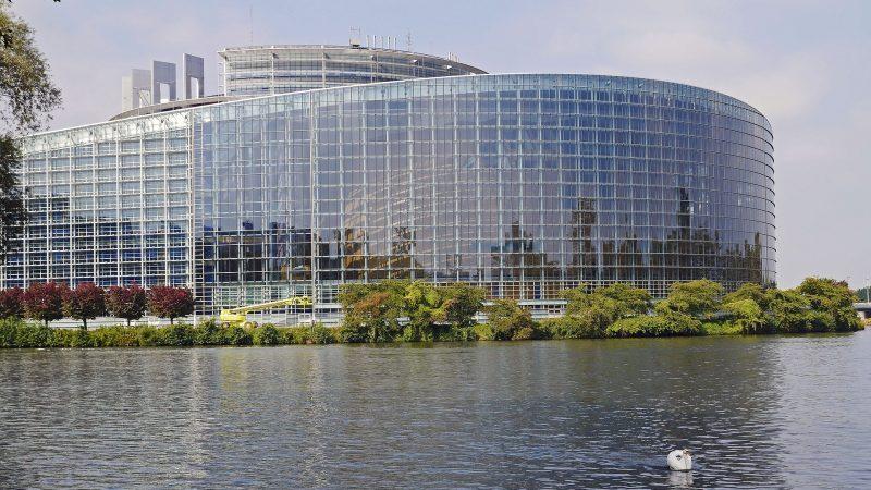 Siedziba Parlamentu Europejskiego w Brukseli, źródło: Pixabay, fot. Erich Westendarp