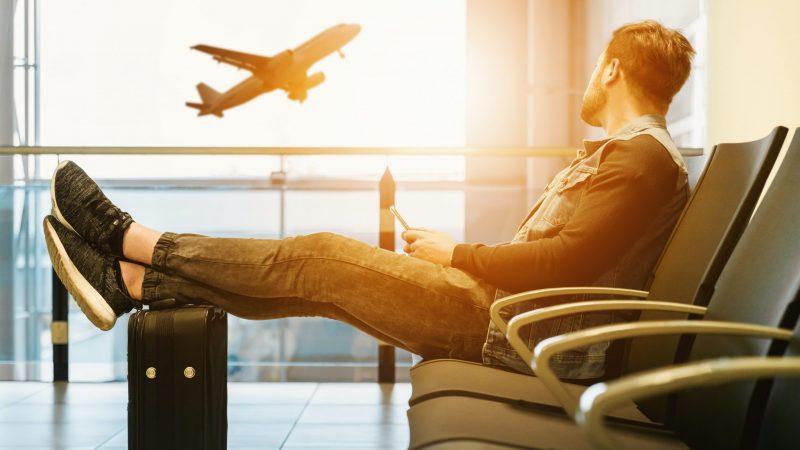 Podróżni przybywający z Wielkiej Brytanii do Niemiec musząsiępoddać dwutygodniowe kwarantannie (Photo by JESHOOTS.COM on Unsplash)