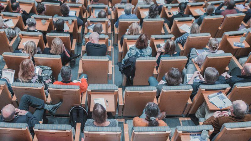 erasmus-ke-pe-ue-unia-europejska-budzet-program-wymiana-studencka-studenci-dofinansowanie-ekologia-mobilnosc-wyjazd-studia-zagraniczne-nauka-finansowanie-podrozowanie-kultura-studiowanie
