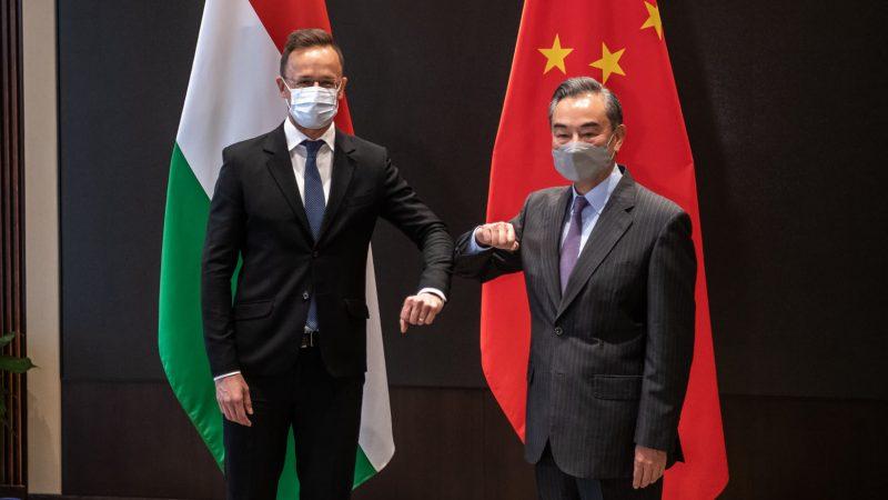 Węgry, Chiny, COVID19, Szijarto, pandemia, szczepionka, Orban