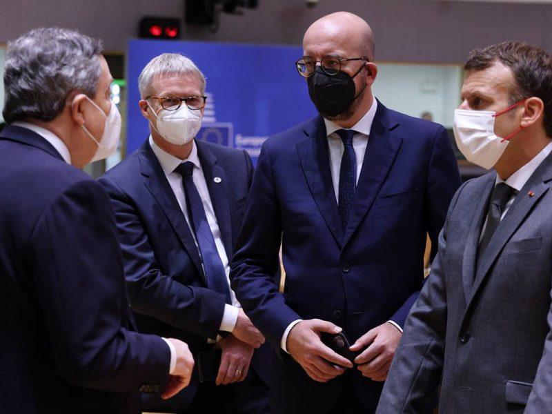szczyt UE, Rada Europejska, Mario Draghi, Jeppe Tranholm-Mikkelsen, Charles Michel, Emmanuel Macron
