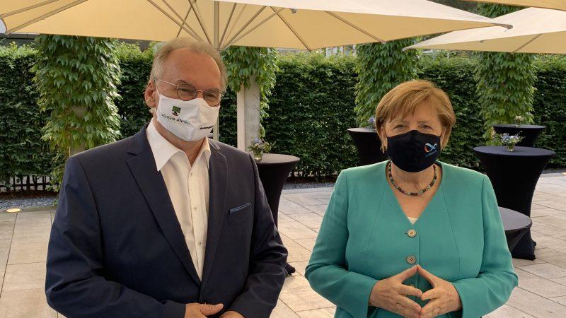 Reiner Haseloff, Saksonia-Anhalt, Angela Merkel, Niemcy