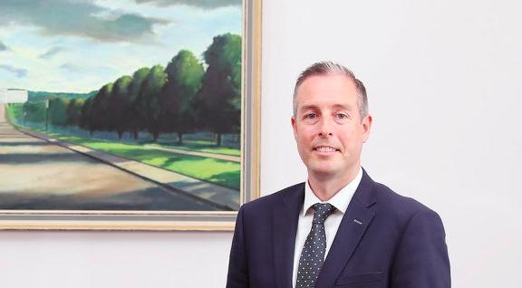 Nowy premier Irlandii Północnej Paul Givan, źródło: Twitter/Paul Givan (@paulgivan)