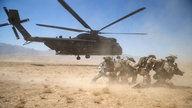 """Afgańska armia informuje, że trzy prowincje w południowym i zachodnim Afganistanie stoją w obliczu """"krytycznej"""" sytuacji bezpieczeństwa., źródło twitter.comresolutesupport"""