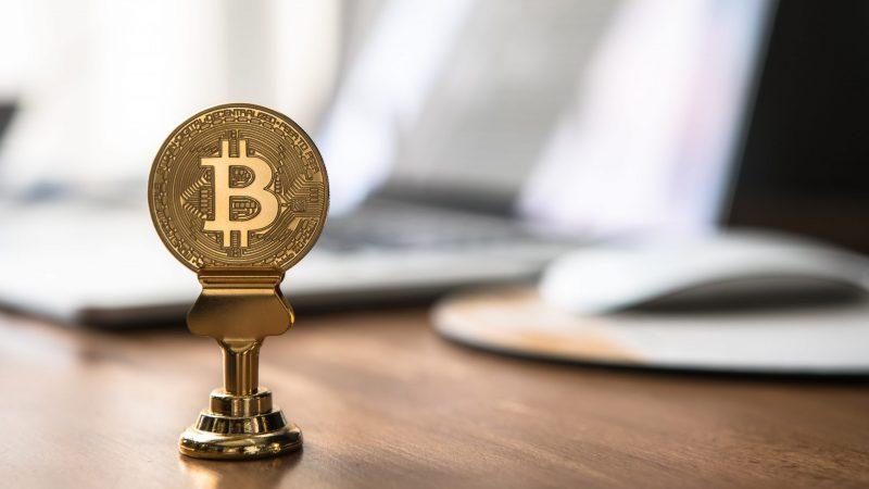 Prezydent Salwadoru chce, aby Bitcoin stał się prawnym środkiem płatniczym w jego kraju (Photo by André François McKenzie on Unsplash)