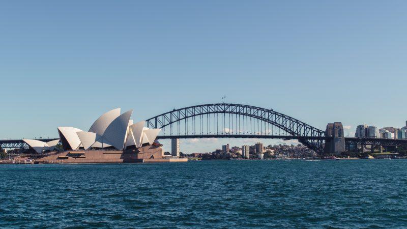 Dwa tygodnie potrwa lockdown w Sydney i jego okolicach (Photo by April Pethybridge on Unsplash)