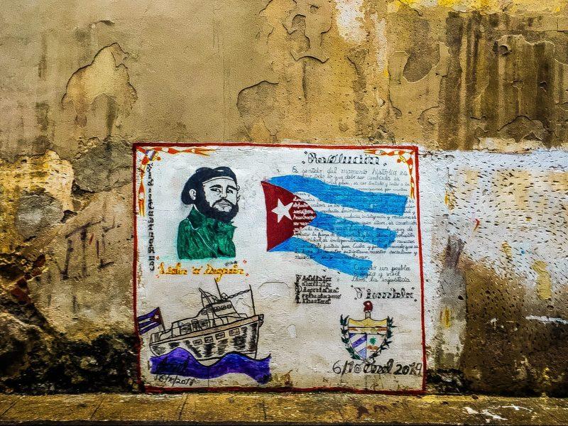Kuba postawiła na opracowanie własnych szczepionek na koronawirusa (Photo by Delaney Turner on Unsplash)