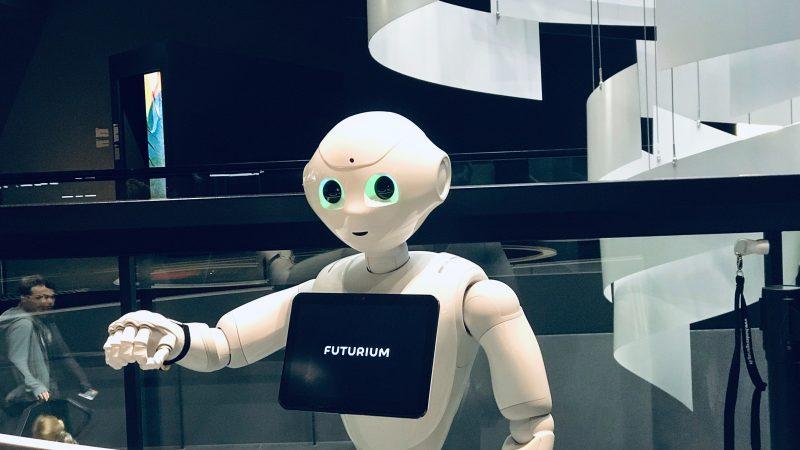 sztuczna-inteligencja-europa-ue-unia-europejska-si-roboty-parlament-technologia-polityka-politycy