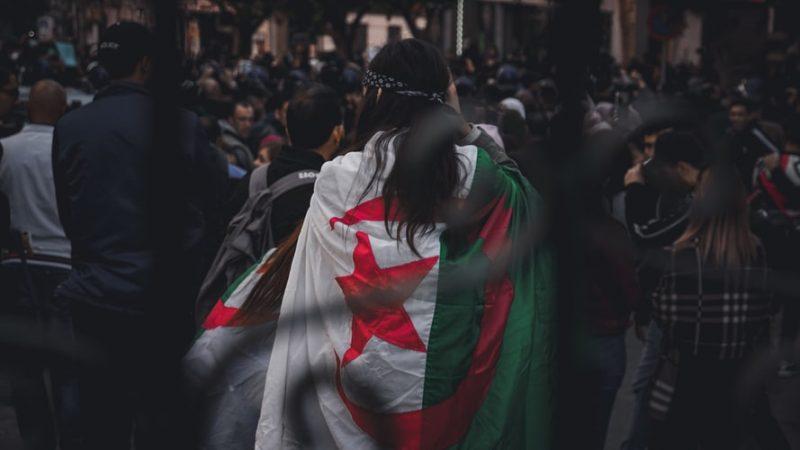 Algieria, Francja, Afryka, Macron, France 24, kolonizacja, dekolonizacja, niepodległość, Hirak, opozycja, Buteflika