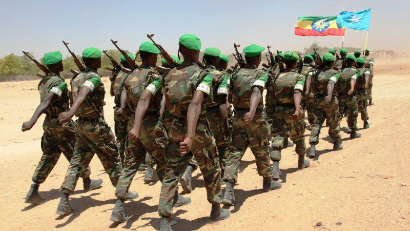 Etiopscy żołnierze z armii rządowej, źródło: Flickr/AMISOM Public Information, fot. AU UN IST PHOTO/MOHAMUD HASSAN (CC0 1.0)