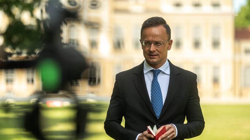 Węgry, Péter Szijjártó