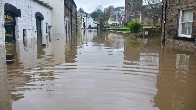 Katastrofalne powodzie nawiedziły kilka krajów w Europie Zachodniej (Photo by Chris Gallagher on Unsplash)