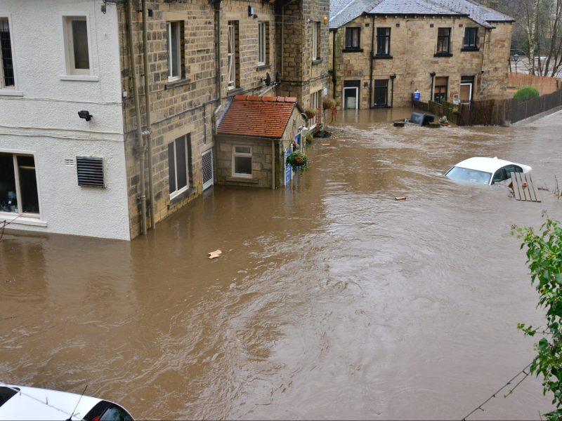Niemieccy politycy wskazująna zmiany klimatyczne jako przyczynęostatnich katastrofalnych powodzi (Photo by Chris Gallagher on Unsplash)