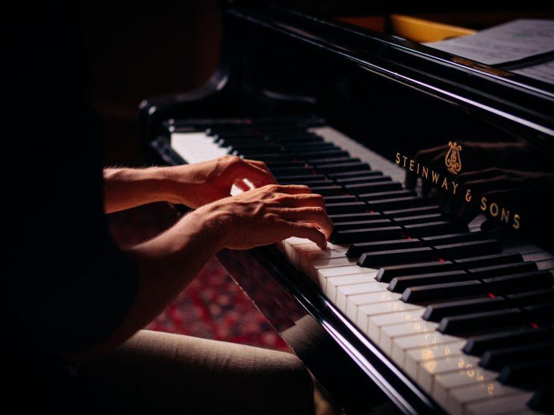 Ruszyły eliminacyjne przesłuchania Konkursu Chopinowskiego (Photo by Claude Gabriel on Unsplash)