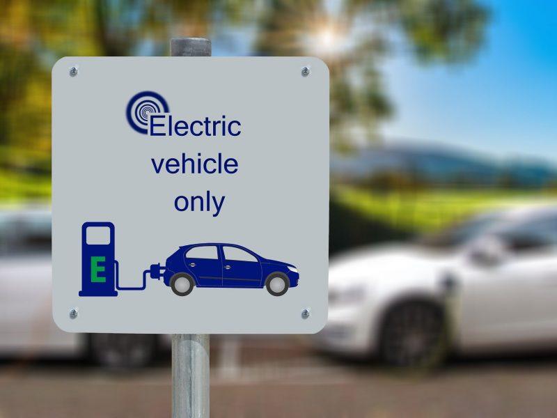 samochóue-elektromobilność-hybryda-plug-in-klimat-ekologia-francja
