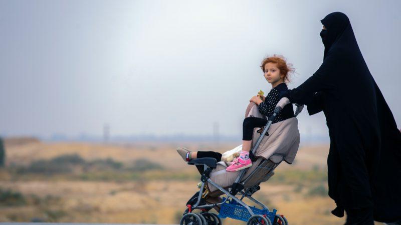 Belgia sprowadziła wdowy i dzieci po bojownikach Państwa Islamskiego (Photo by mostafa meraji on Unsplash)