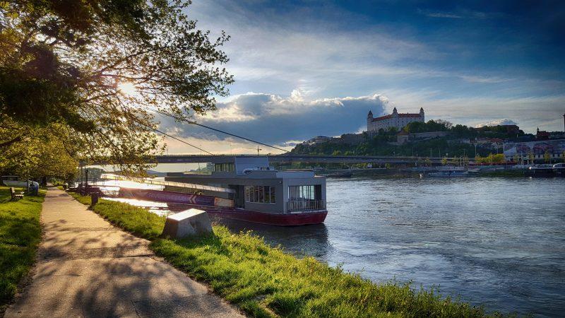Dunaj, Bratyslawa, LNG