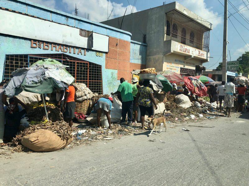 Ulica w stolicy Haiti - Port-au-Prince (Photo by Susan Mohr on Unsplash)