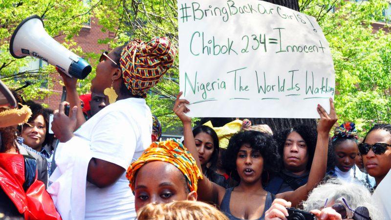 W obronie porwanych uczennic z Chibok odbyło sięwiele manifestacji na świecie, źródło: Flickr, fot. Michael Fleshman (CC BY-NC 2.0)