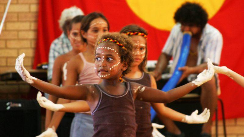 Rdzenni Australijczycy, których jako dzieci odebrano rodzinom, dostaną odszkodowania, źródło: Flickr/Global Panorama, fot. Mark Roy (CC BY-SA 2.0)