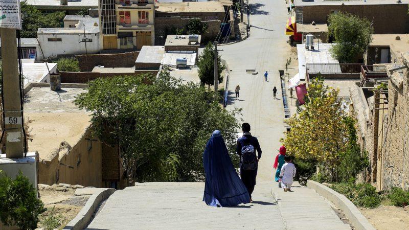 Ulica w Kabulu, źródło: Flickr/fot. Sayed Sajjad Sangar/Rumi Consultancy/World Bank (CC BY-NC-ND 2.0)
