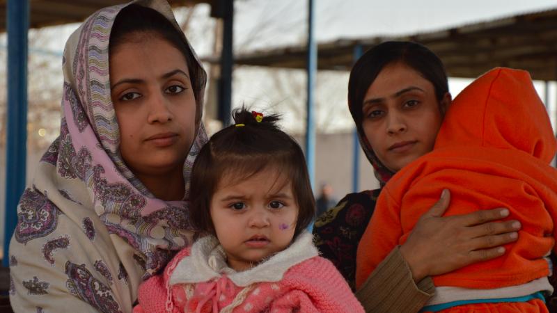Do Kabuly przybywająuchodźcy z terenów zajętych przez talibów/© European Union/ECHO/Pierre Prakash (CC BY-NC-ND 2.0)