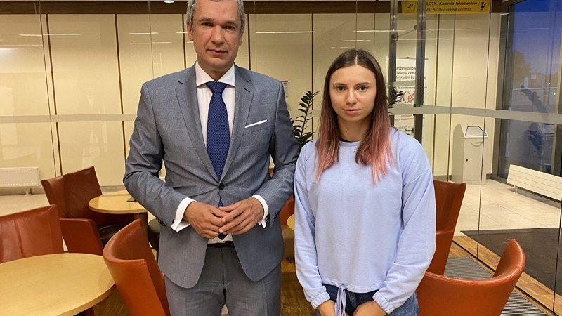 Paweł Łatuszka i Kryścina Cimanouska juz w Warszawie, źródło twitter @PavelLatushka