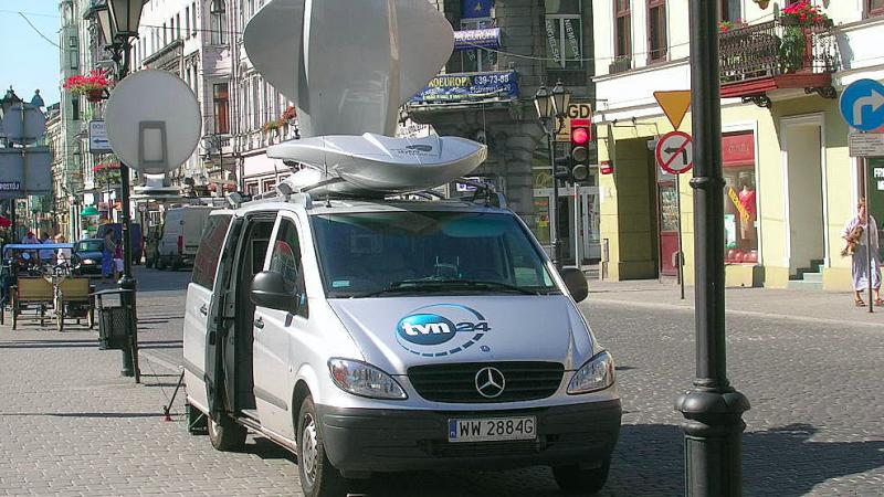 Wóz transmisyjny TVN24, źródło: Flickr/daniel.s (CC BY 2.0)
