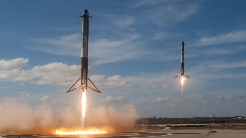 Gwiezdne wojny? Jeff Bezos pozywa NASA. Powodem Elon Musk