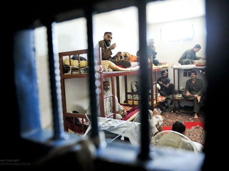 Cela więzienna w Afganistanie, źródło: Flickr/Defence Images, fot. SAC Neil Chapman (RAF) (CC BY-NC 2.0)