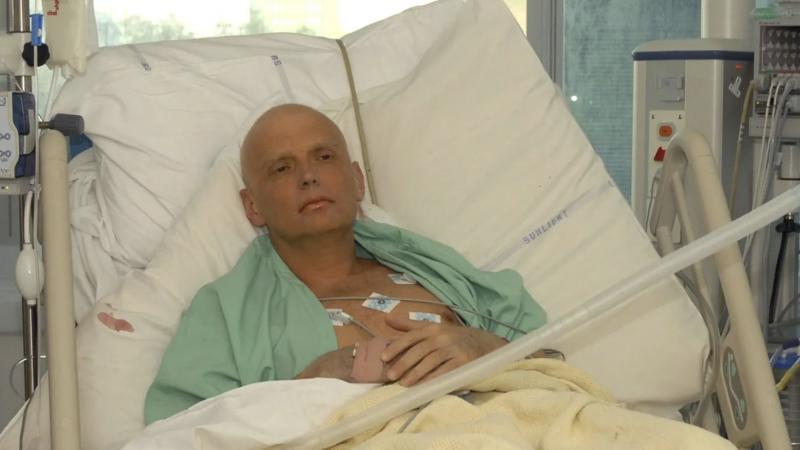 Aleksander Litwinienko w szpitalu w Londynie, źródło: Wikipedia (CC BY 4.0)