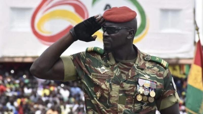 Przywódca wojskowej junty w Gwinei ppłk. Mamady Doumbouya, źródło: Forces armées de la Guinée