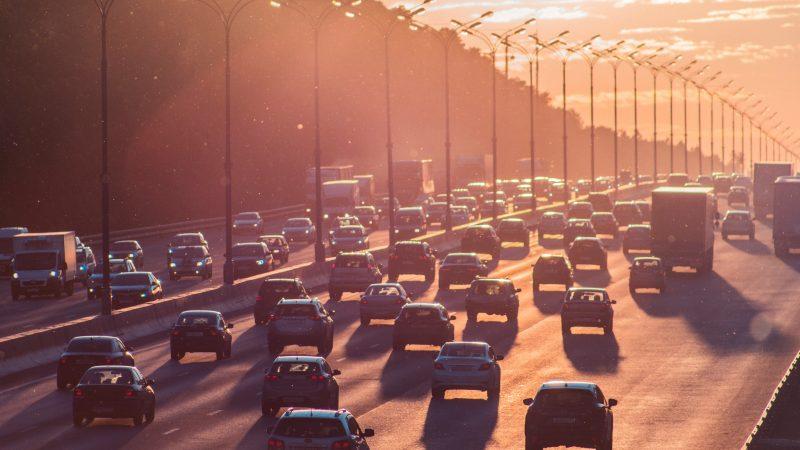"""Czechy chcą zmian w rozporządzeniu o normach emisji Euro 7. """"Może dosłownie zabić samochody z silnikami spalinowymi"""""""