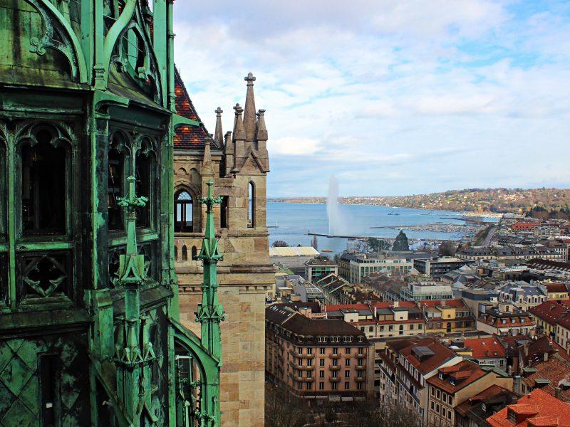 Genewa, jako pierwsze miasto w Szwajcarii, zakazała ulicznych komercyjnych reklam (Photo by Anokhi De Silva on Unsplash)