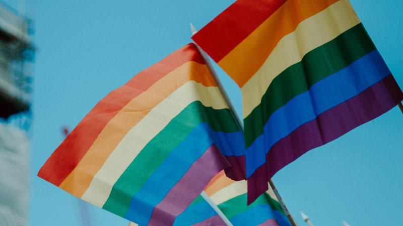 Rząd Niemiec wypłaca odszkodowania za dawne prześladowania osób homoseksualnych (Photo by daniel james on Unsplash)