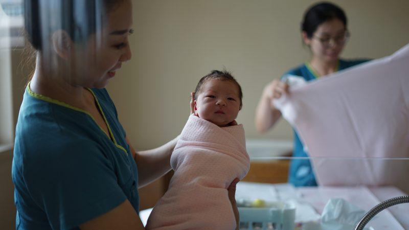chiny-aborcja-pekin-usuwanie-ciazy-populacja-demografia-polityka-jednego-dziecka-urodzenia