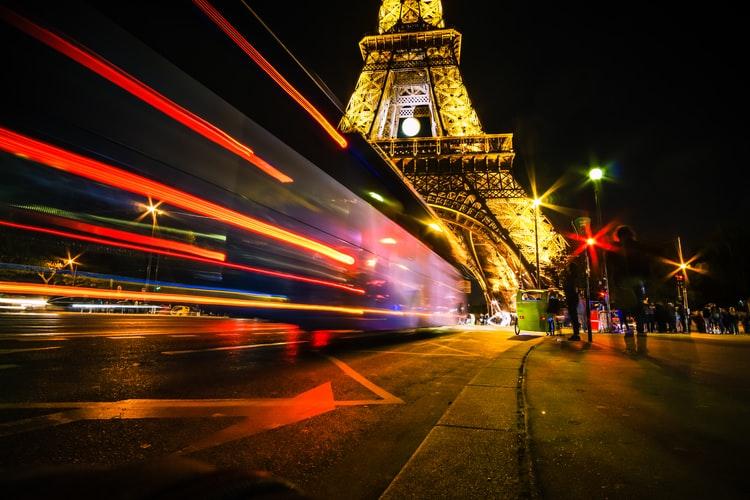 Francja, Paryż, ekologia, bezpieczeństwo, środowisko, 30km/h, Hidalgo, Zieloni, socjaliści, autostrada, wypadki, rowerzyści