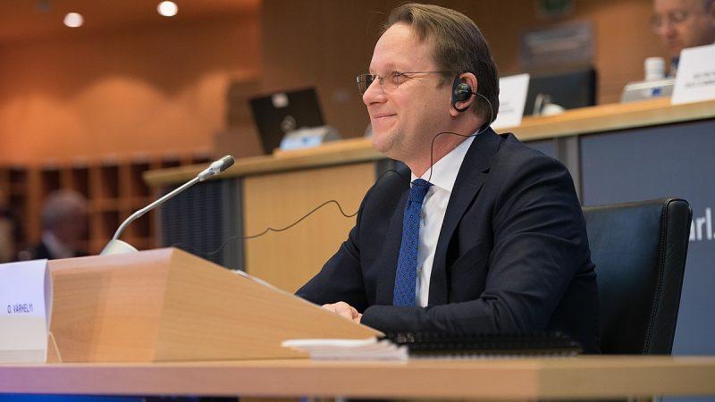 UE-rozszerzenie-Várhelyi-Orban-serbia-bałkany-praworządność-Macedonia-Albania-von-der-leyen-komisja-europejska