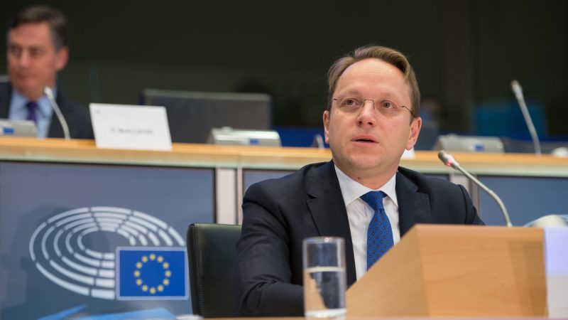 varhelyi-serbia-balkany-macedonia-kosowo-albania-unia-europejska-komisja-europejska