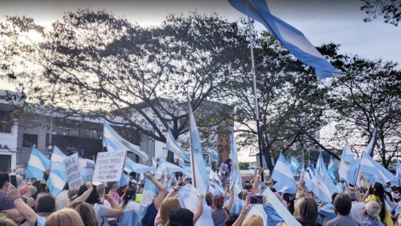 Protest w Argentynie, źródło: pxhere, fot. patriciojorge70 (CC0 Public Domain)