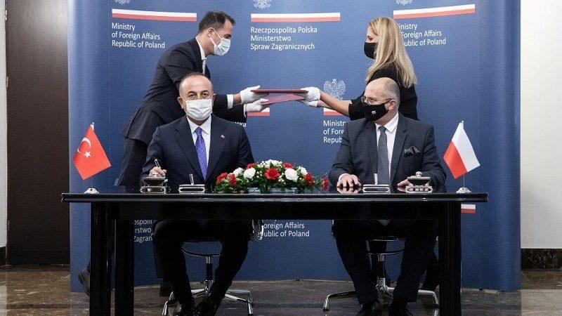 Szef tureckiej i polskiej dyplomacji Mevlüt Çavuşoğlu i Zbigniew Rau, spotkanie w Warszawie, źródło Tymon Markowski MSZ