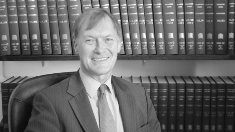 Zamorodowany poseł brytyjskiej Partii Konserwatywnej David Amess, źródło: Wikipedia, fot. Pjppjppjp (CC BY-SA 3.0)